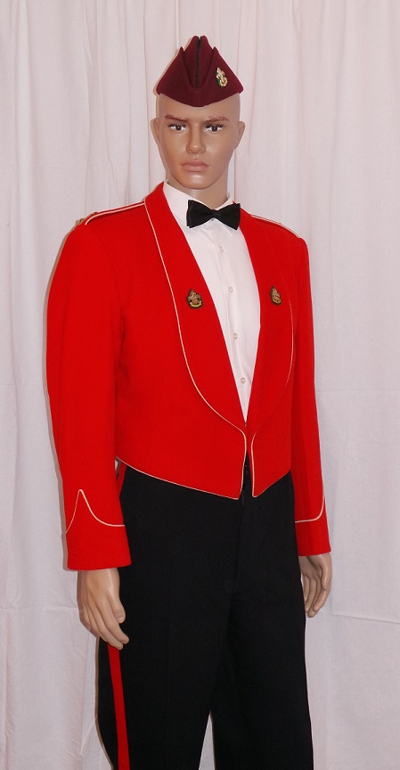 01 UK Army The Kings Regient Mess Dress