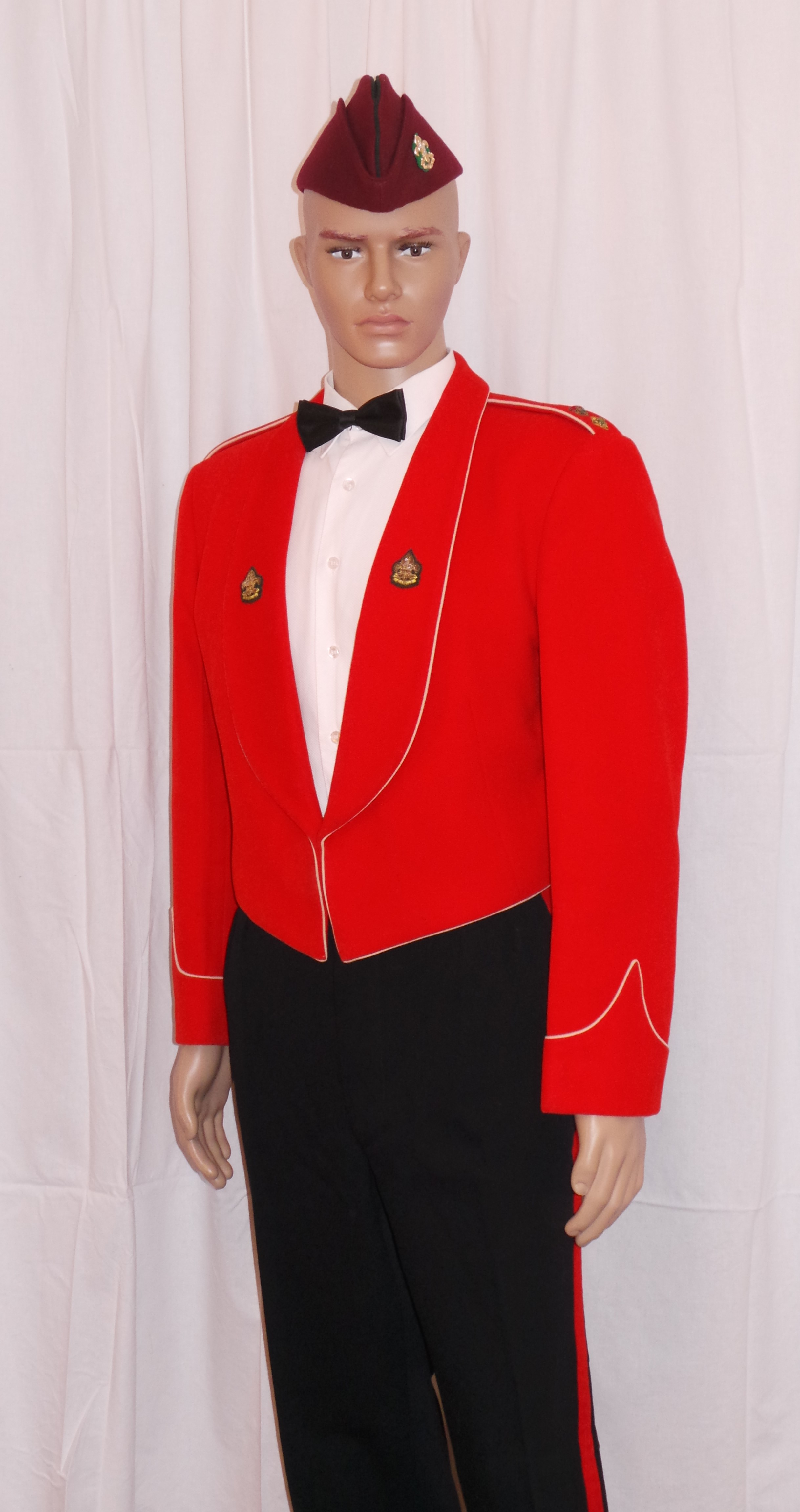 02 UK Army The Kings Regient Mess Dress